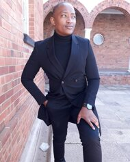 promotional model: Thato M