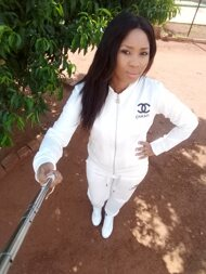 promotional model: Dineo O